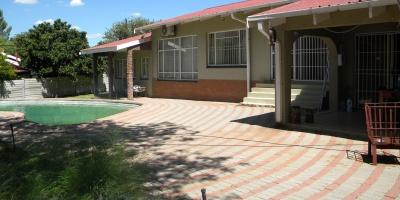 Kroonstad, 9500, 3 Bedrooms Bedrooms, ,2 BathroomsBathrooms,House,For Sale,1131