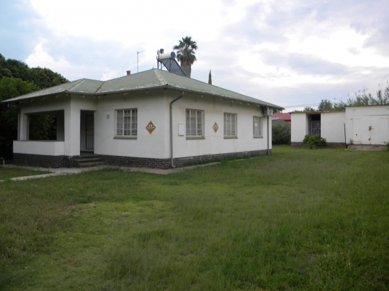 Kroonstad, 9499, 3 Bedrooms Bedrooms, ,1 BathroomBathrooms,House,For Sale,1139