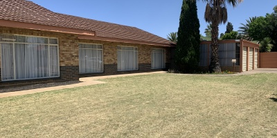Kroonstad, 3 Bedrooms Bedrooms, ,2 BathroomsBathrooms,House,For Sale,1185